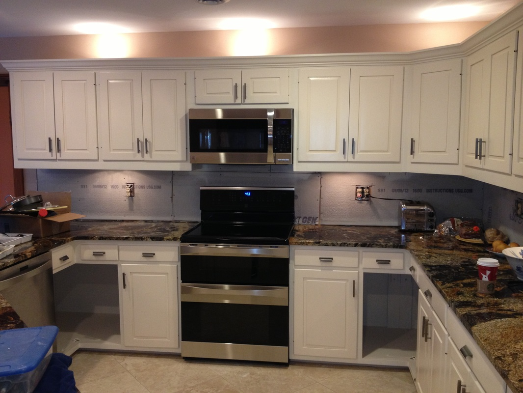 Specialty cabinet finishes portfolio kitchen cabinet for Oak crown molding for kitchen cabinets